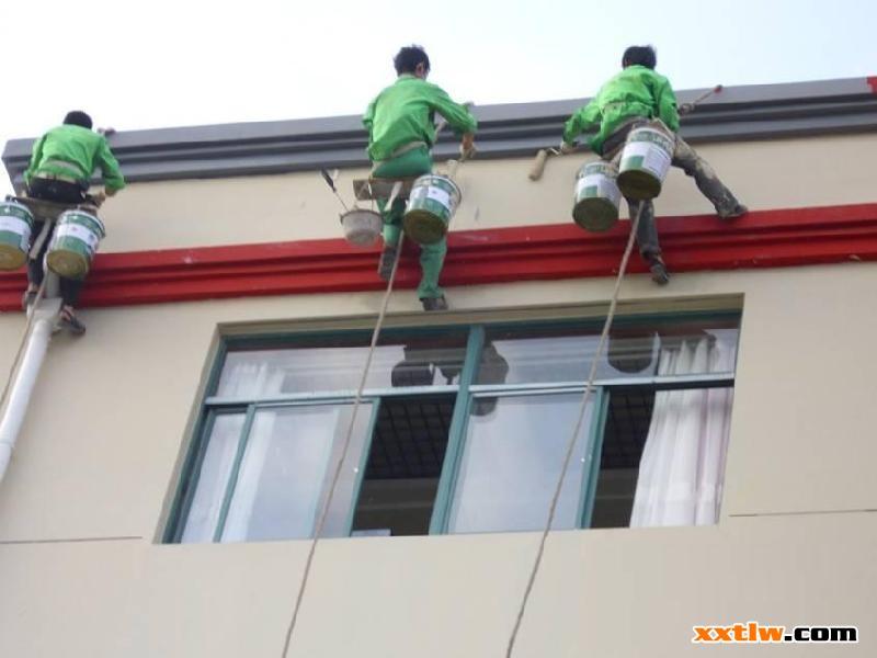 中国新型涂料网讯: 外墙涂料施工工艺流程在中国新型涂料网的技术文章中已经反复介绍过了,外墙是建筑的外衣,外墙涂料的很好施工能够有效保证建筑承受风霜腐蚀十几年,今天小编就和大家一起学习一下外墙涂料施工流程及施工工艺。 外墙涂料施工流程
