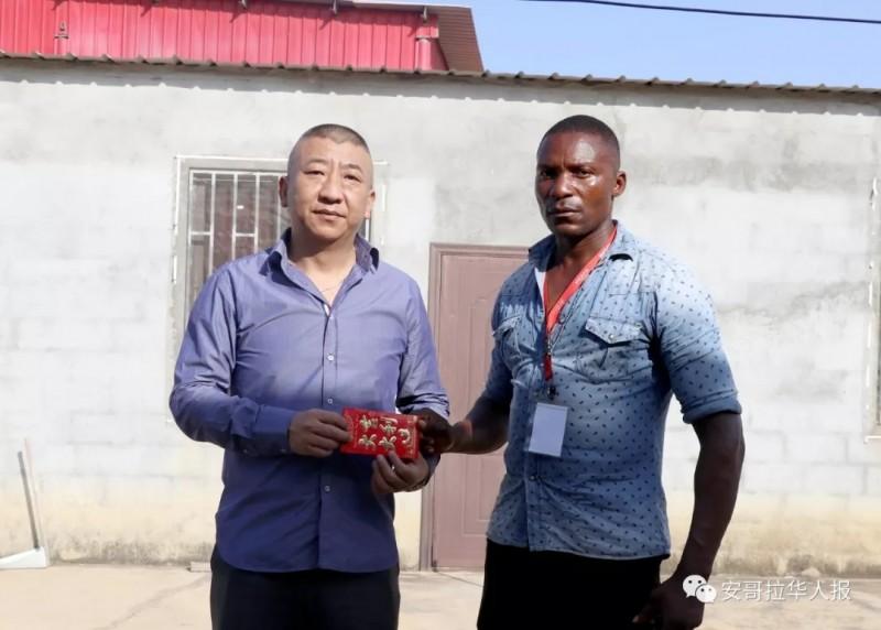 华人涂料厂遭多名抢匪洗劫 两华人受伤